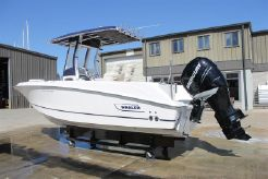 2014 Boston Whaler 220 Outrage