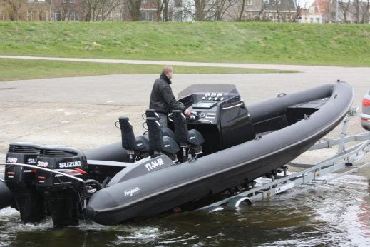 2017 Roughneck 1010 Outboard