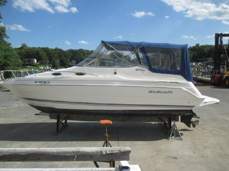 2002 Wellcraft 2600 Martinique New Motor