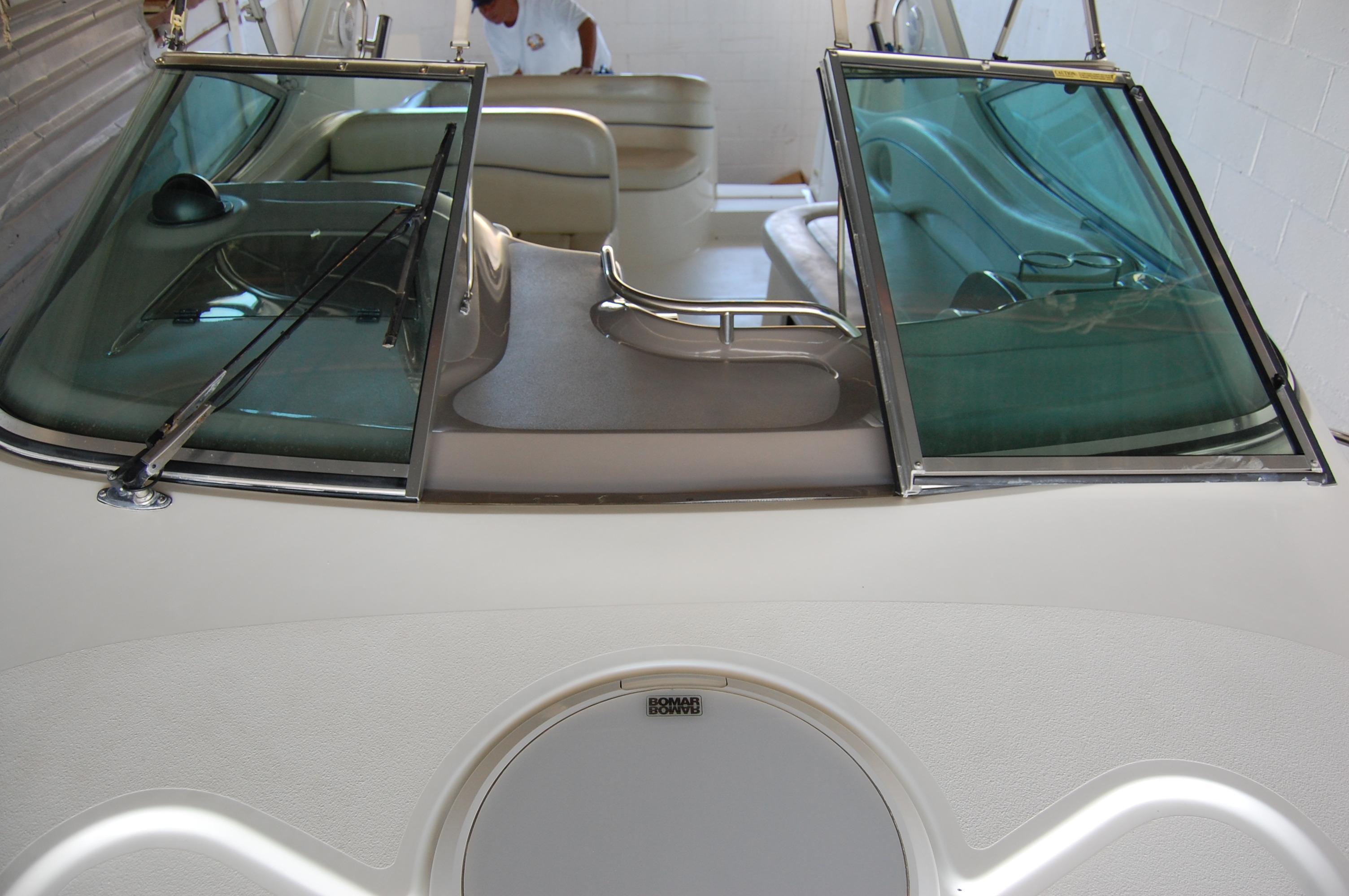 28' Wellcraft Martinique w/Trailer+Steering wheel