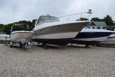 2006 Cruisers Yachts 370 Express Diesel