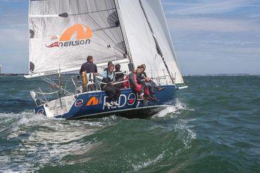 thumbnail photo 2: 2002 J Boats J/105