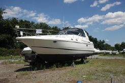 2001 Cruisers Yachts 3870 Express Diesel