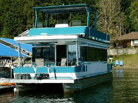 2000 Playcraft Houseboat