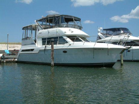 1997 Carver Motor Yachts 405