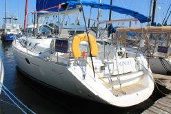 photo of  44' Jeanneau 44i