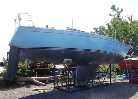 1975 Contessa 35 Sloop