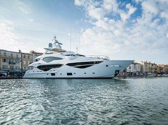thumbnail photo 2: 2016 Sunseeker 131 Yacht
