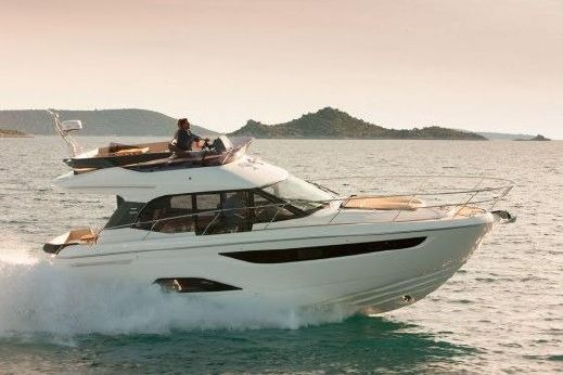 2017 Bavaria Motor Boats R40 FLY