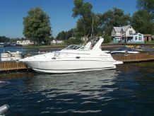 2001 Cruisers Yacht 2870 Express