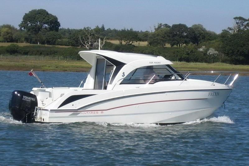 2017 Beneteau Antares 8 Power Boat For Sale Www Yachtworld Com