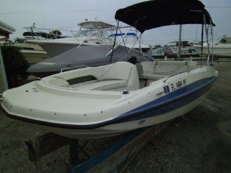 2011 Bayliner 197 SD Deck Boat