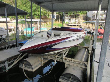 2004 Ultra Custom Boats 247 XS BOWRIDER CUDDY