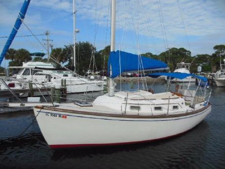 1982 Island Packet 26 MK II Cutter