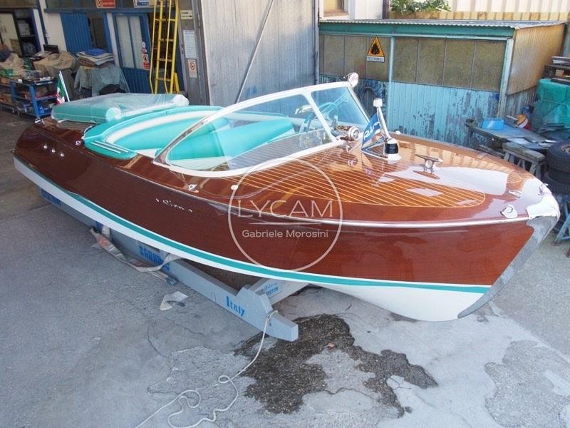 Riva ariston motor boot zum verkauf yachtworld