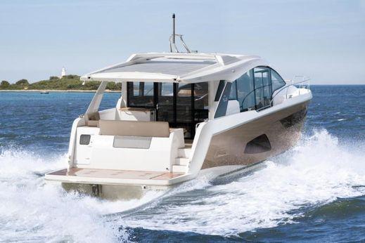 2017 Sealine C530