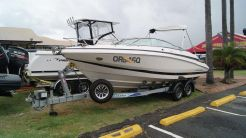 2005 Regal 2250 Cuddy