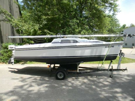 1988 Hunter 18.5 Sloop