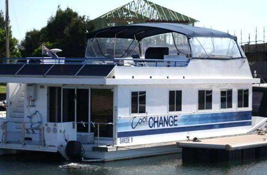2002 Houseboat