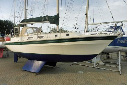 1982 Westerly Discus 33 Ketch
