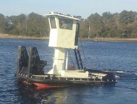 2016 Truckable Tug Push Boat - Twin Engine 600 HP Total