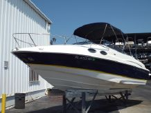 2004 Regal 2650 Cuddy
