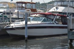 1986 Chris-Craft 332 Commander Express