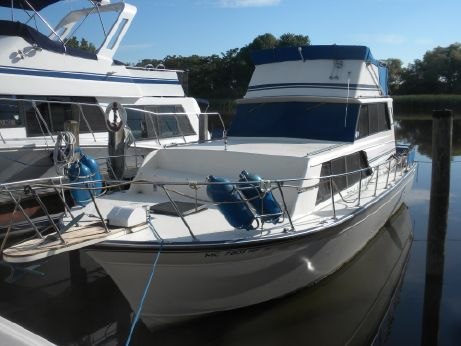1987 Marinette 32 Sedan Flybridge