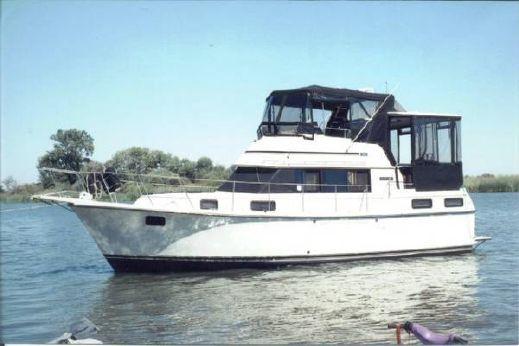 1988 Carver Aft Cabin Motoryacht