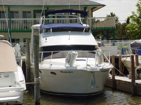 2000 Carver 356 Aft Cabin/Motor Yacht