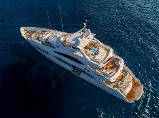 thumbnail photo 0: 2015 Sunseeker 40 Metre Yacht