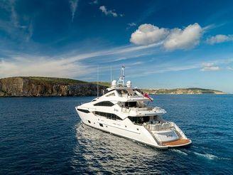thumbnail photo 2: 2015 Sunseeker 40 Metre Yacht