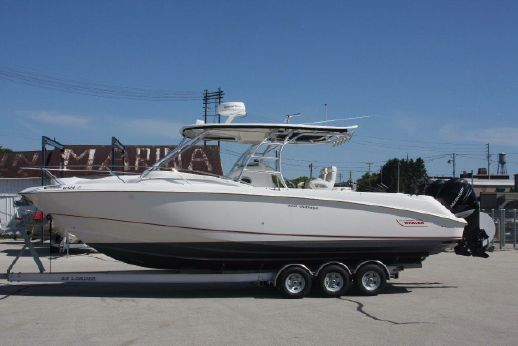 2007 Boston Whaler 320 Outrage Cuddy Cabin