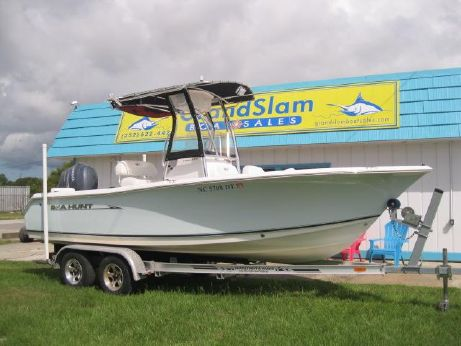 2012 Sea Hunt TRITON 210 CC