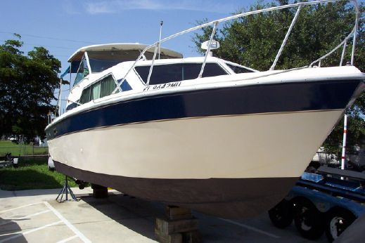 1983 Chris Craft 281 Catalina