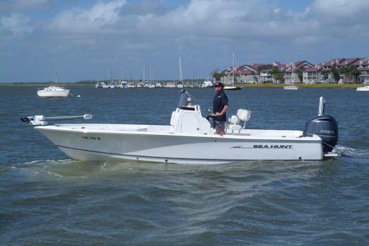 2013 Sea Hunt BX 24 BR