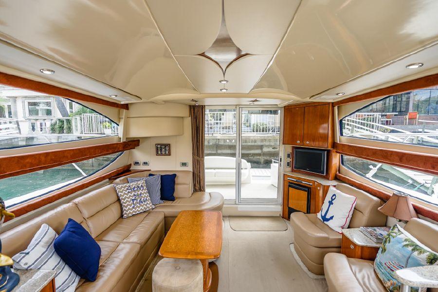 Meridian 391 Sedan Salon Layout