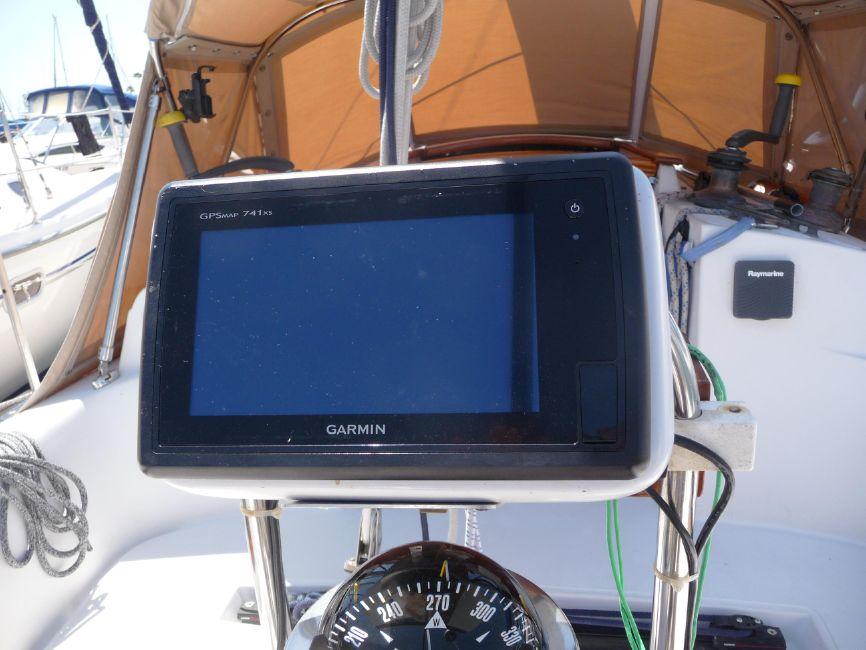 Pacific Seacraft 31 Navigation Electronics