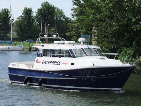 2000 Cygnus Cyfish 37 crew tender