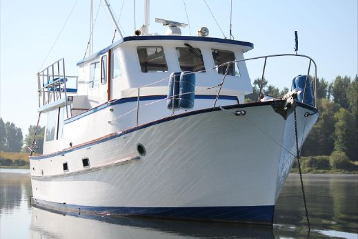 1972 Bluewater 40 Trawler Pilothouse