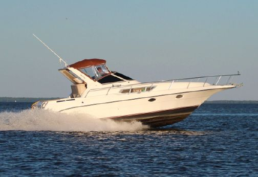 1992 Cruisers Yachts 3270 Esprit
