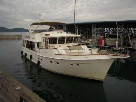 2005 Selene Wide Body Trawler