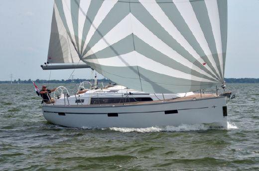 2017 Bavaria Cruiser