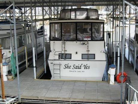 1990 Marinette 41 Motor Yacht