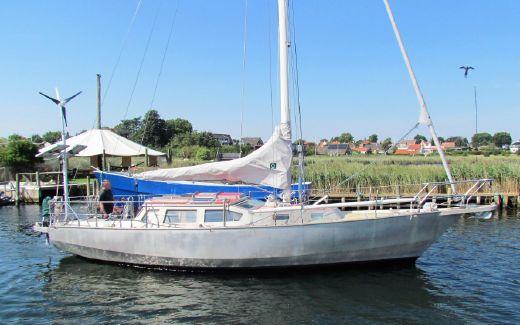 1997 Aluminium Decksalon Sailboat