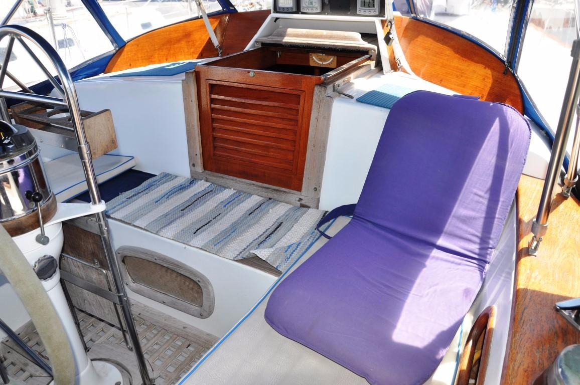 44' Kelly Peterson Cutter+Aft Cabin Entrance