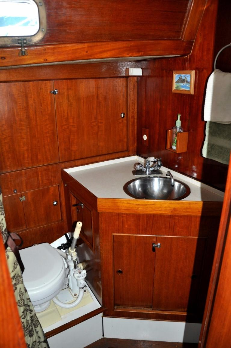 44' Kelly Peterson Cutter+V-Berth
