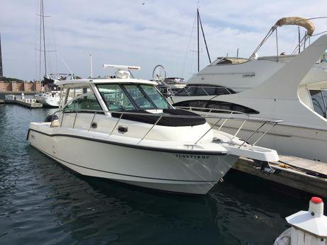2015 Boston Whaler 345 Conquest
