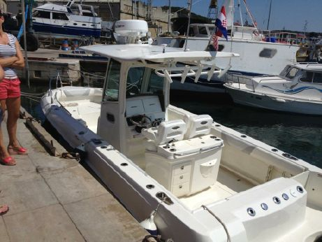 2009 Boston Whaler Outrage 280