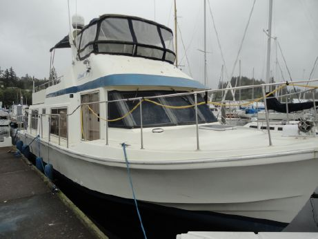 1985 Chris-Craft Motor Yacht House Boat